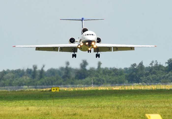 Cuba recibirá avión ruso para sembrar nubes modelo Yak- 42D