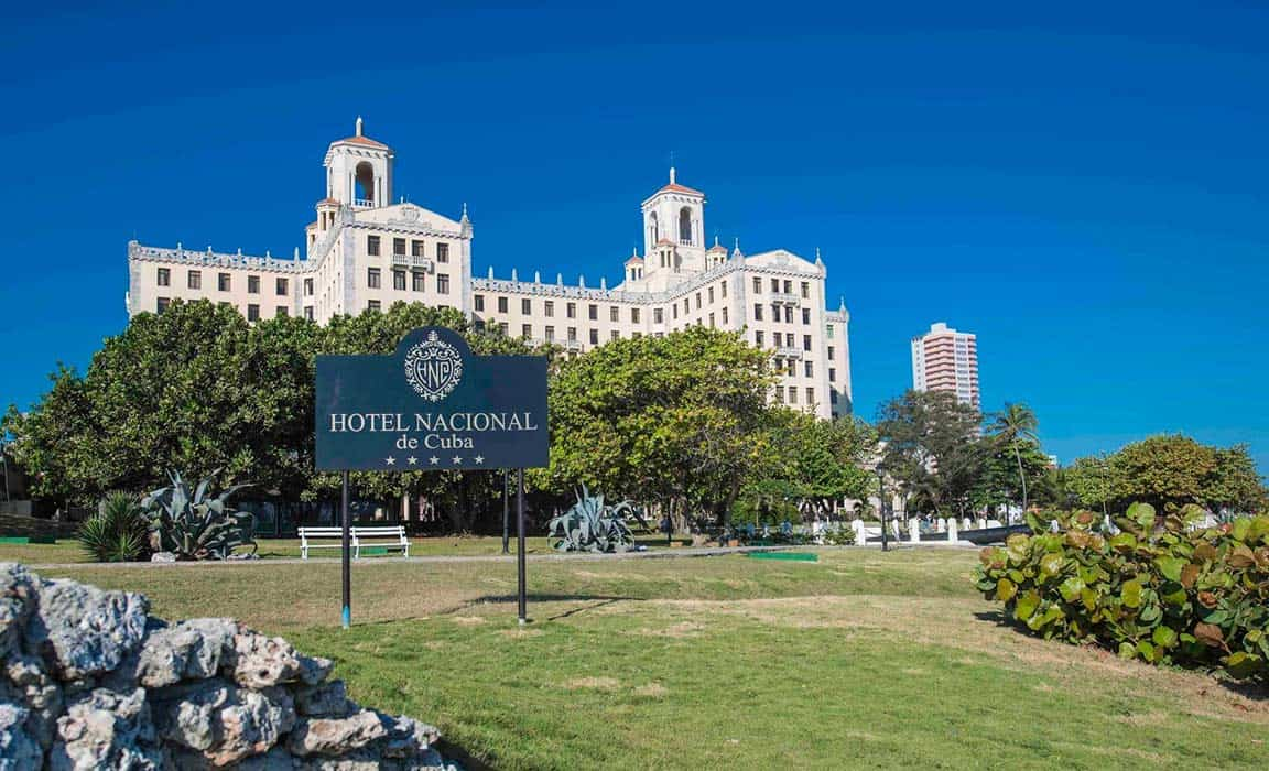 Vista frontal del Hotel Nacional de Cuba